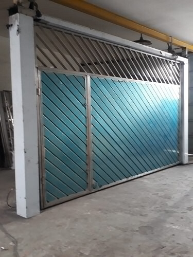 Portão Basculante em Aço Inox